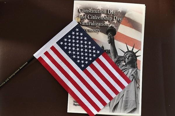 美国移民局公告:H-1B加急恢复申请!